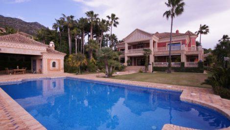 9 bedroom Villa for sale in Nagüeles – R2759153