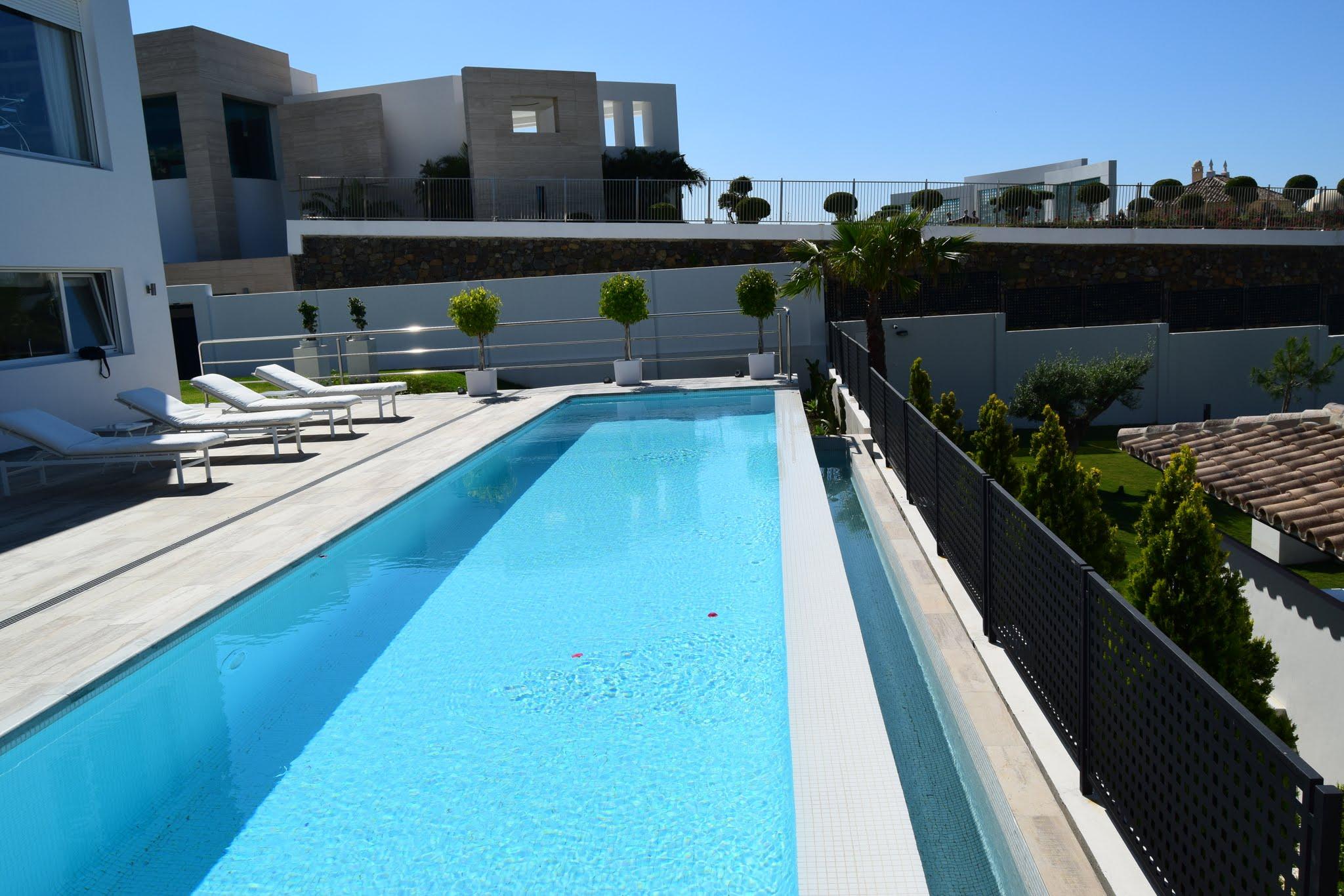 Contemporary villa for sale in La Quinta