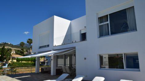 Villa de estilo contemporáneo en La Quinta en