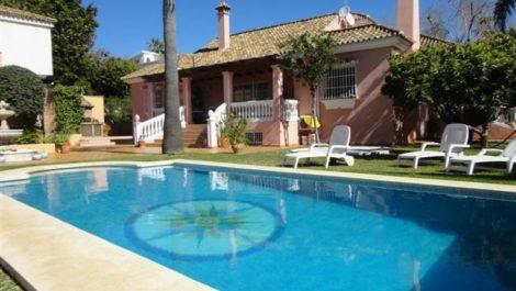 5 bedroom Villa for sale in El Rosario – R1953659