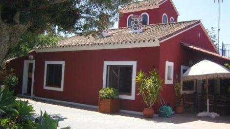 5 bedroom Villa for sale in Estepona – R2286740