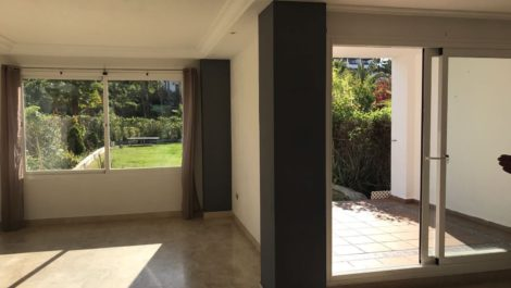3 bedroom Townhouse for sale in Estepona – R2903390 in