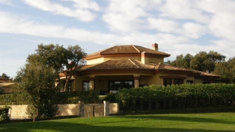 Villa de 6 dormitorios en venta en Sotogrande – R3007685 en
