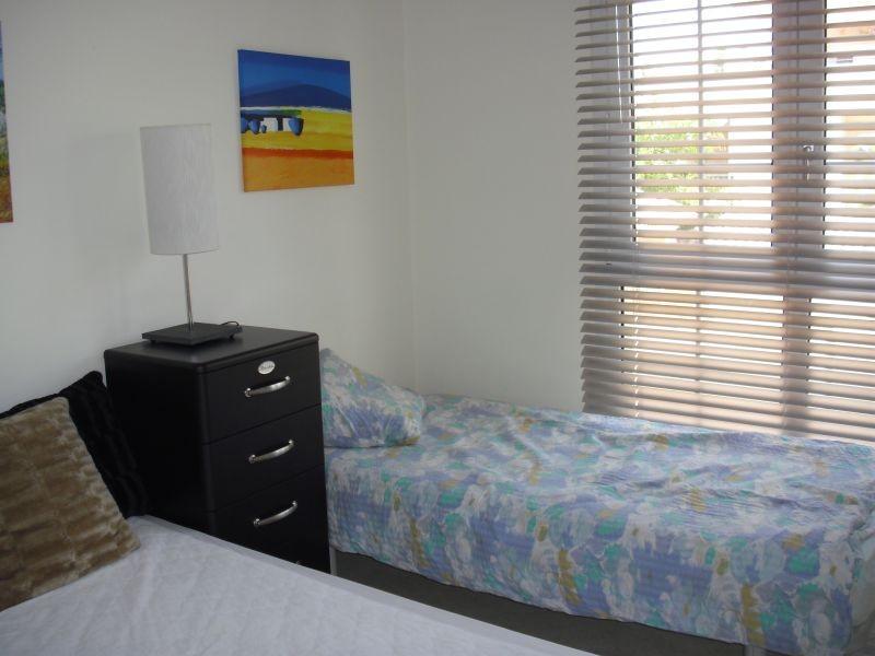 2 bedroom Apartment for sale in Elviria – R135114