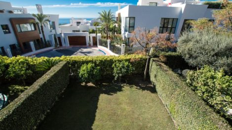 5 bedroom Townhouse for sale in Sierra Blanca – R3037265