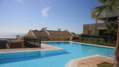 Apartamento de 2 dormitorios en venta en Altos de los Monteros – R3104555