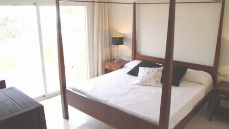 4 bedroom Semi-detached for sale in Estepona – R183489 in