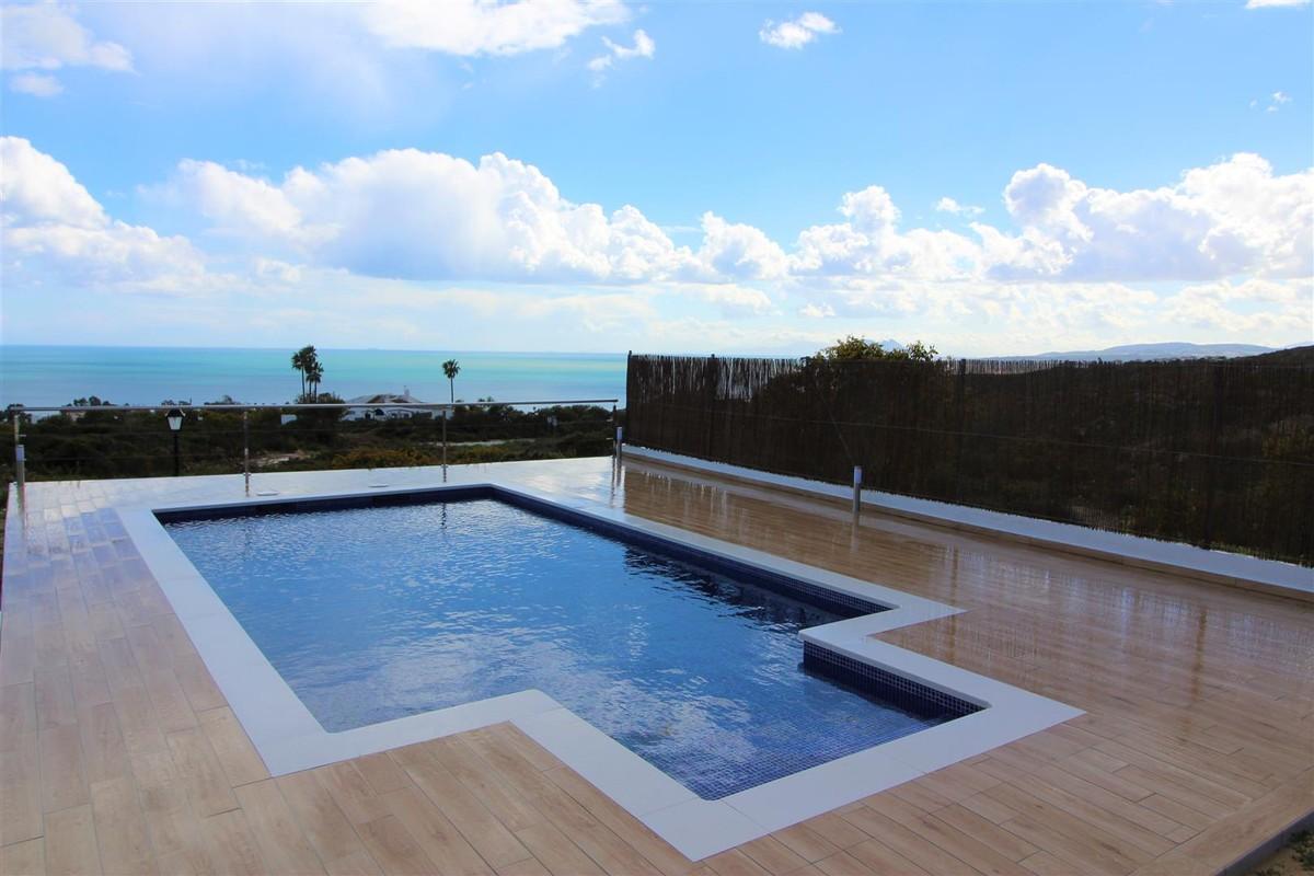 5 bedroom Villa for sale in San Roque – R3136807