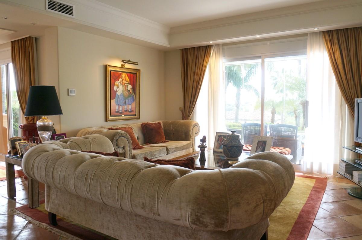 Villa de 6 dormitorios en venta en Sotogrande Alto – R3172951