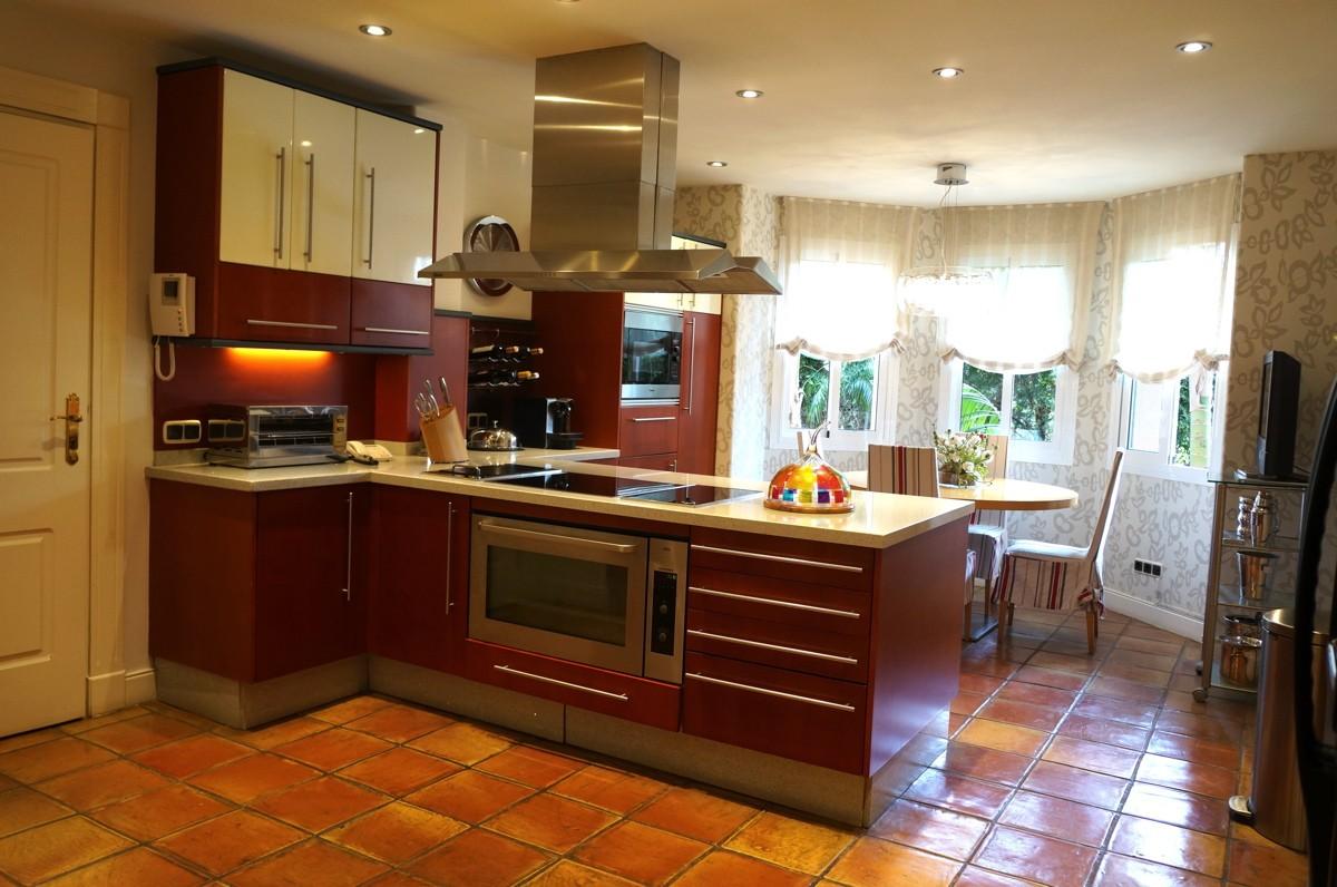 6 bedroom Villa for sale in Sotogrande Alto – R3172951