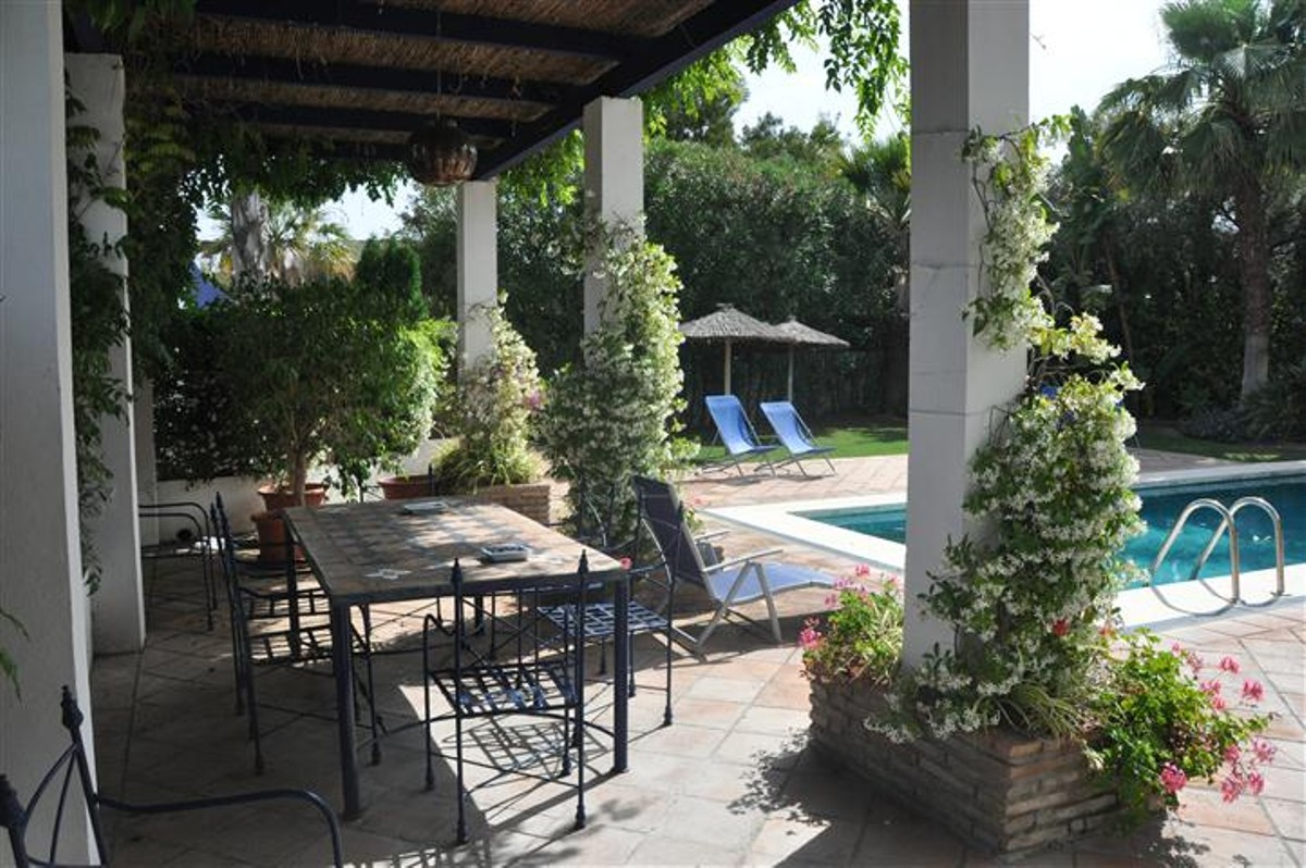Villa de 6 dormitorios en venta en Sotogrande – R812495