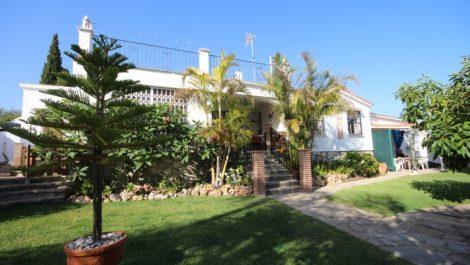 Villa de 4 dormitorios en venta en Río Real – R3218374 en