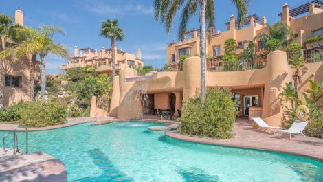 Adosado de 4 dormitorios en venta en Riviera del Sol – R2855090