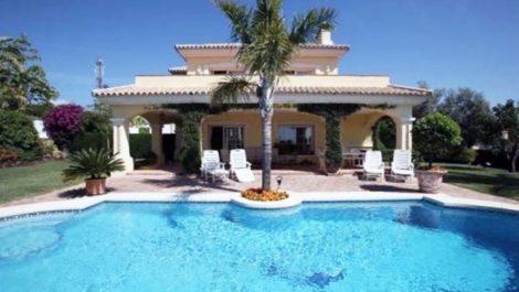 3 bedroom Villa for sale in New Golden Mile – R3060625 in