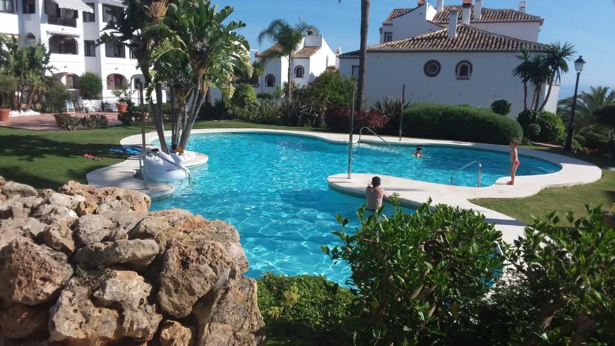 Apartamento de 3 dormitorios en venta en Reserva de Marbella – R3275959 en