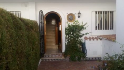 3 bedroom Apartment for sale in Estepona – R2274740 in