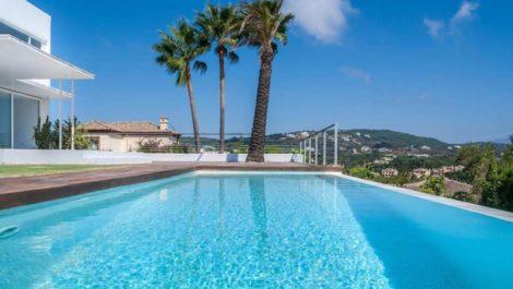 Villa de 5 dormitorios en venta en Sotogrande – R3343066 en