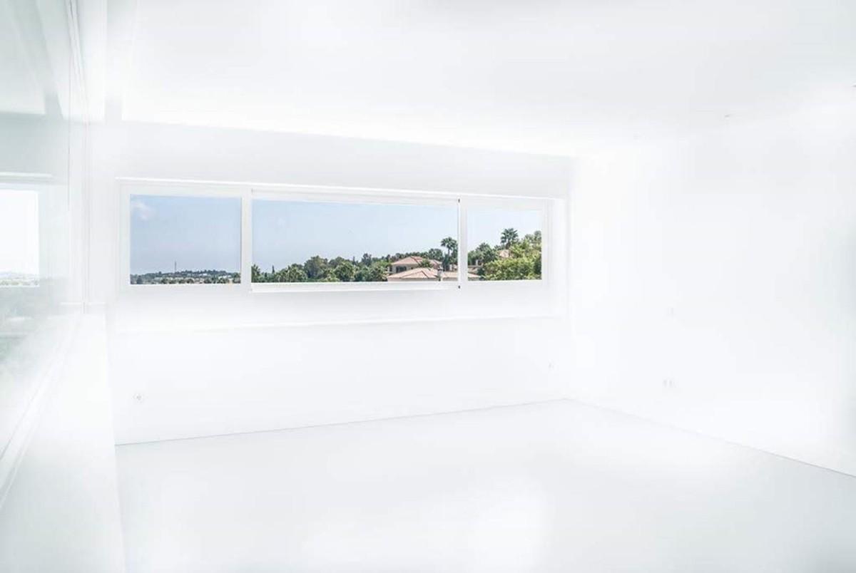 Villa de 5 dormitorios en venta en Sotogrande – R3343066