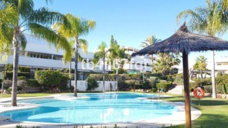 4 bedroom Villa for sale in Altos de los Monteros – R3134599 in