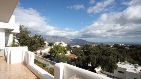 2 bedroom Apartment for sale in Elviria – R3104315