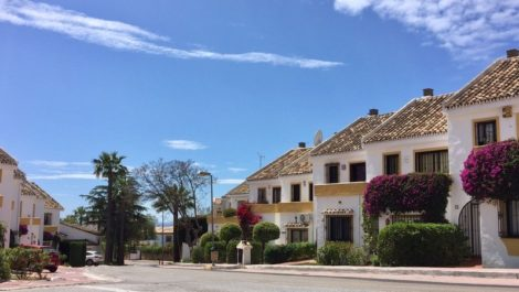 4 bedroom Villa for sale in Altos de los Monteros – R3120415 in