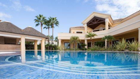 Villa de 6 dormitorios en venta en El Rosario – R2605664