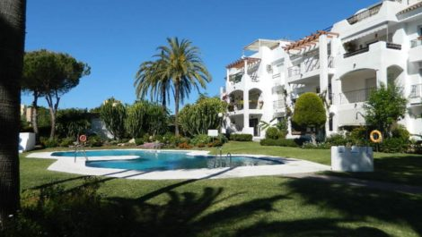 10 bedroom Townhouse for sale in Marbella – R221410