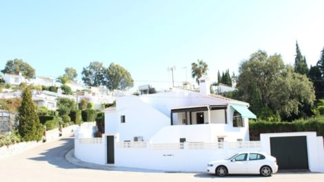 2 bedroom Apartment for sale in Nueva Andalucía – R2327213 in