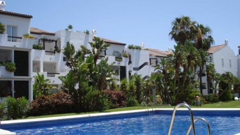 1 bedroom Commercial for sale in Puerto Banús – R758506 in