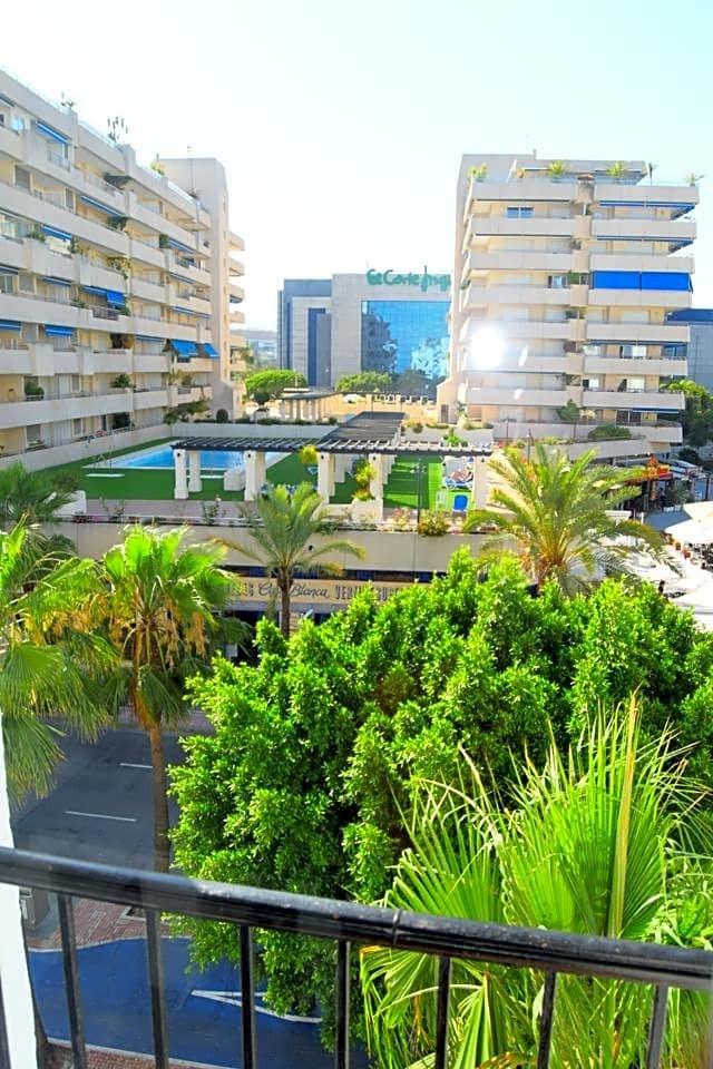 1 bedroom Apartment for sale in Puerto Banús – R3233185