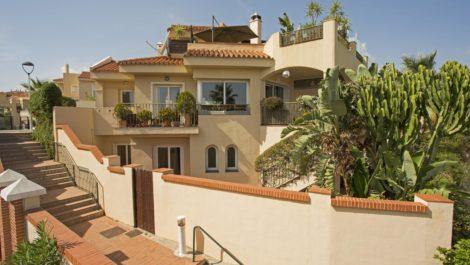 3 bedroom Semi-detached for sale in Riviera del Sol – R3258082