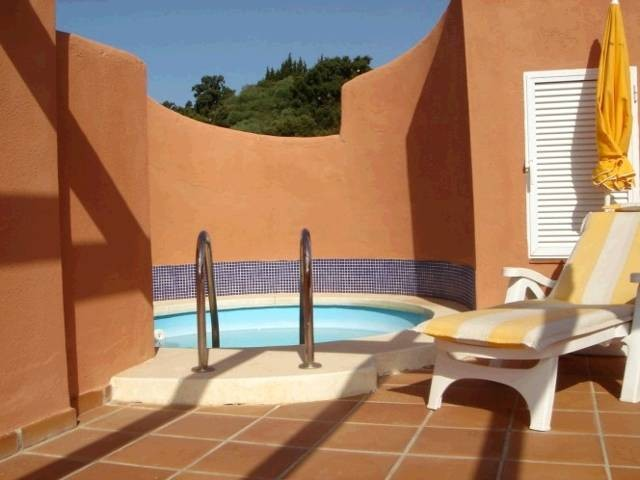 2 bedroom Penthouse for sale in La Mairena – R87898