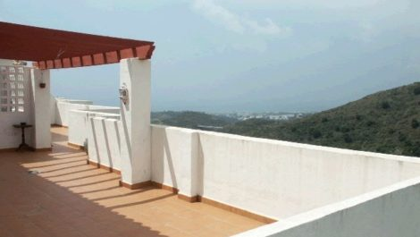2 bedroom Penthouse for sale in Calahonda – R36927 in