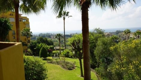 3 bedroom Apartment for sale in Estepona – R2891474