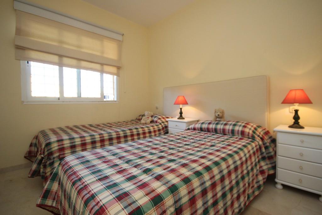 2 bedroom Apartment for sale in Elviria – R3326641