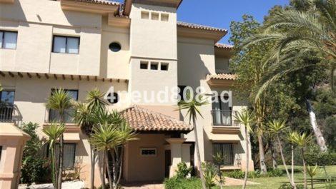 Apartamento de 2 dormitorios en venta en Río Real – R3193768 in