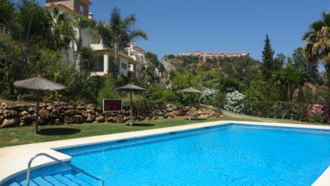Apartamento de 3 dormitorios en venta en Benahavís – R3253435 en