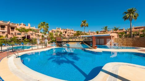 Apartamento de 2 dormitorios en venta en Hacienda del Sol – R3158491 en