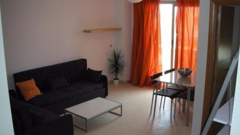 Villa de 5 dormitorios en venta en Estepona – R3329542