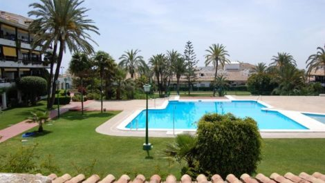 2 bedroom Apartment for sale in Marbella – R114286
