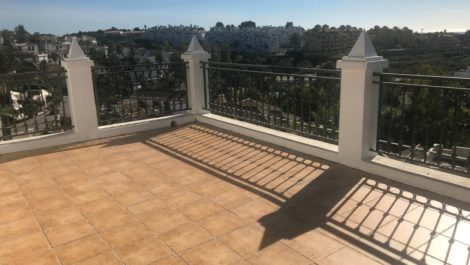 3 bedroom Villa for sale in New Golden Mile – R3365908 in