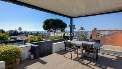 Villa de 3 dormitorios en venta en Las Chapas – R3374794 en