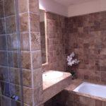 Apartamento de 2 dormitorios en venta en Benahavís – R82965