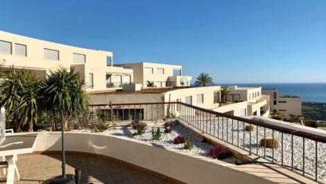 Atico de 3 dormitorios en venta en Altos de los Monteros – R3380407 en