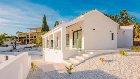 Villa de 5 dormitorios en venta en El Rosario – R3120877