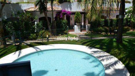 3 bedroom Apartment for sale in Elviria – R3210283 in