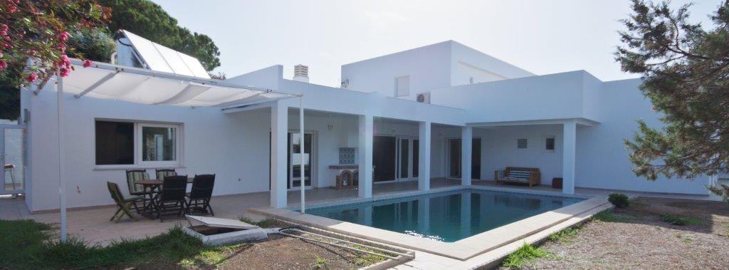 7 bedroom Villa for sale in Carib Playa – R3404089