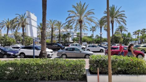 Commercial for sale in Puerto Banús – R3417418