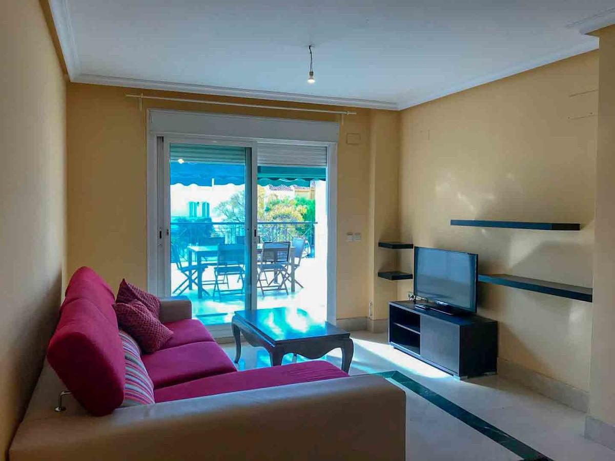 2 bedroom Apartment for sale in Puerto Banús – R3396871