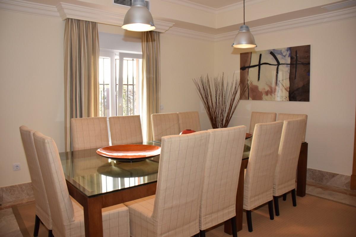 Villa de 4 dormitorios en venta en Santa Clara – R1941494